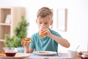 子供と食事と虫歯